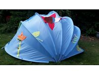 A children's/Babie tent can be used for indoor or outdoor use