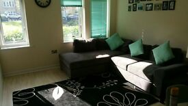 Double Room to rent (bills included). Sharing with 25 y/o female