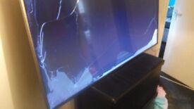 LG65UH668V DAMAGED SCREEN TV