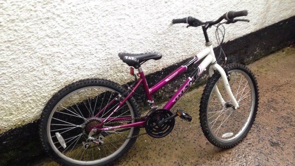 Girls 24 inch wheel Mountain bike