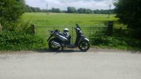 Sym HD 125 evo 4300km 61 plate long mot