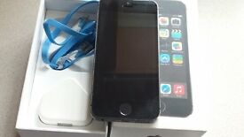 APPLE IPHONE 5s 32gb grey on VODAFONE (with leads & box) £120.00