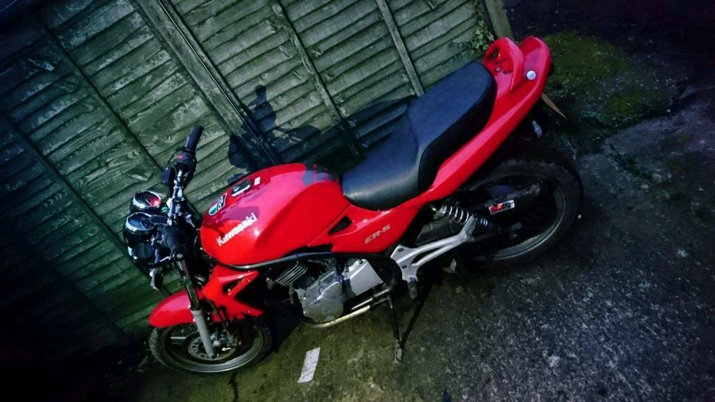 kawasaki er 500 need tlc good easy project just need parts replacing and a good clean