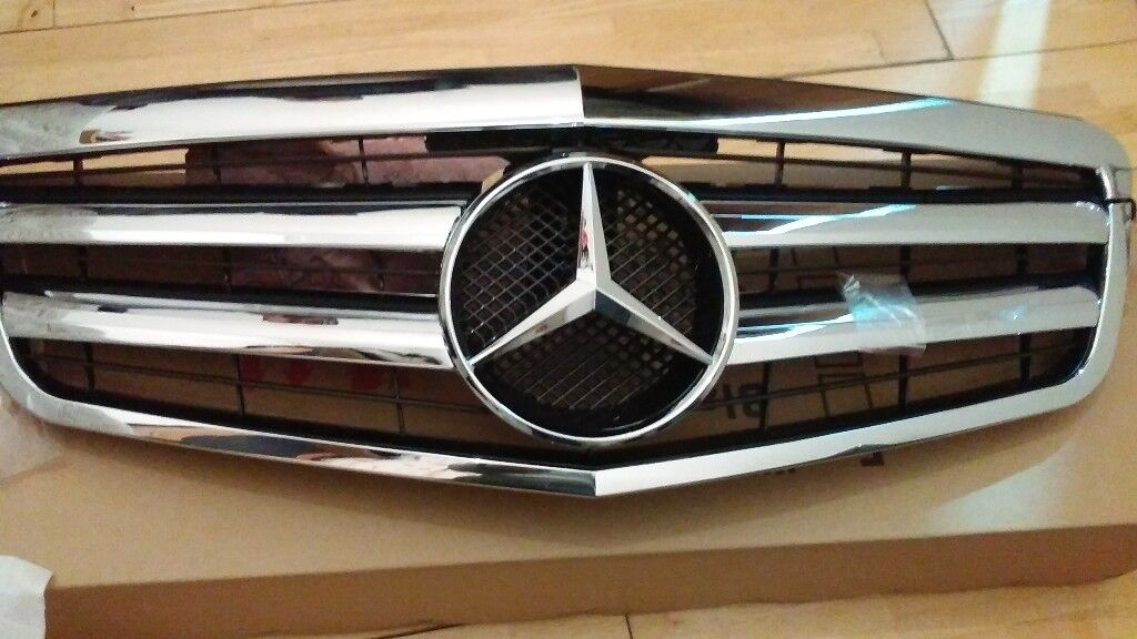 E CLASS SPORTS GRILL 2009 /2014 212 CHASSIS BRAND NEW £150