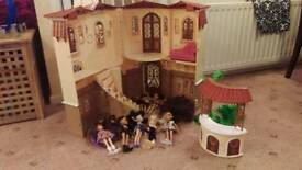 Bratz mansion and dolls