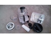 Magimix 5200 silver satin Food Processor with unused juicer and citrus press