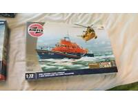 RNLI Severn class lifeboat model kit