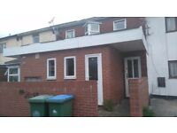 1 Bed Flat in Park Road Shirley **Available Now ** Water Included