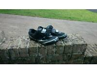 Clip in mountain bike pedals and shoes.