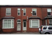 Available 1 double room in a 4 bedroom house near Salford University, M7