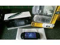Psp 2000 + acc pack boxed