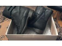 Womens Clarks Black Boots 6-1/2 Unworn