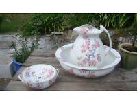 Vintage wash jug, bowl & soap dish set. Pretty design and shape