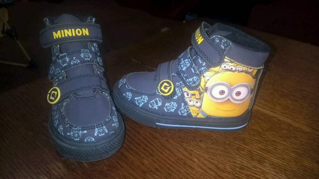 Brand new minion boots infant size 6