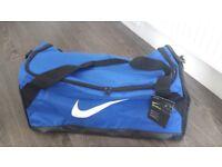 Nike Brasilia Medium Blue/Black Holdall   New with Tags