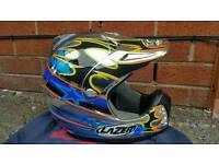 Laze cross helmet used condition! Midium size can deliver or post!