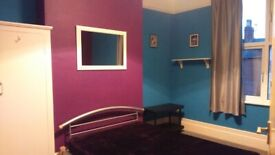 Room To Rent, Le3 area