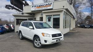 2011 Toyota RAV4 SUNROOF! ALLOYS!