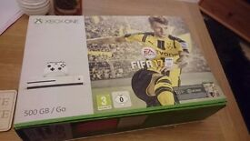 Xbox one S with Fifa 17 installed and controller