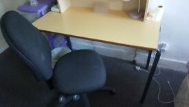 High qulity desk and swivel chair for quick sale, need gone as soon as possible