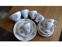 **STUNNING AND RARE VINTAGE TEA SET ROYAL GRAFTON ESTELLE DESIGN**