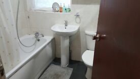 Large double room to let, lovely location with one car park space
