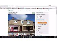 3 Bedroom Flat in Hopeman, Moray. Ist floor flat in centre of popular seaside village. Sea views.