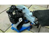 Compound bench mitre saw