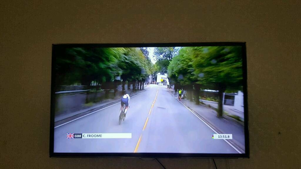 SAMSUNG HD DIGITAL TV - EXELLENT CONDITION - 42INCH
