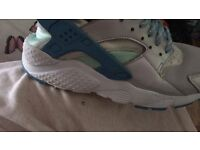 Size 5 huaraches