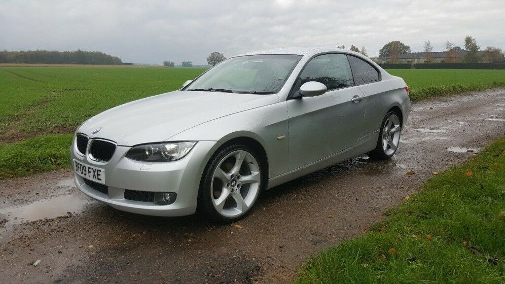 2009 BMW 320I SE COUPE IN VERY GOOD CONDITION