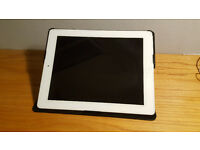 Apple iPad 2, Wifi, 16GB White + Case + Charger
