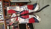 Hockey goalie Equipement Pads and Gloves Wright right side
