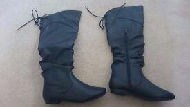 Women's Size 5 Unworn Black Boots
