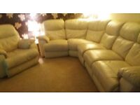 Cream Leather 5 seater corner settee with armchair. Electric recliner. Good condition.