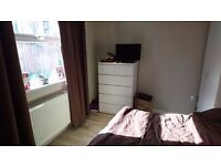 Cosy Double Room from 1st of June near Stepney Green Zone2