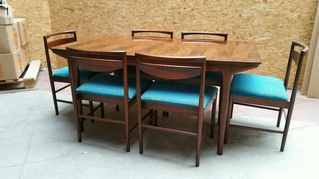 Rosewood Mcintosh table and 6 chairs