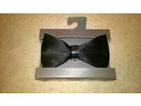 Brand new/boxed: Marks & Spencer Pure Silk Black Bow Tie (RRP £12.50)