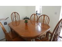 6 seater dining table and chair (extandable)