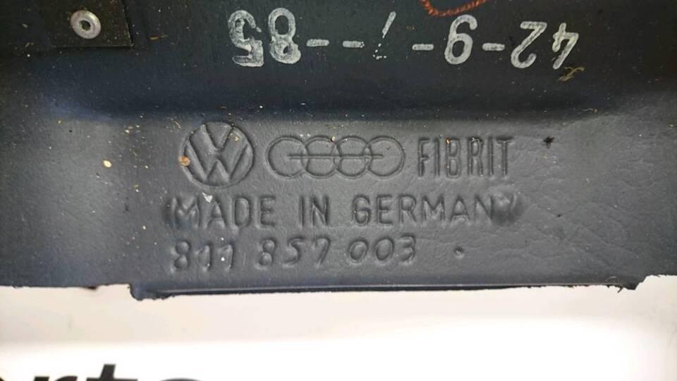 Audi 80 90 Typ 81 / 85 Armaturenbrett Blau 811857003 in Bredstedt
