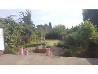 5 bed Semi detached house minutes walk from Brent Cross Shopping centre