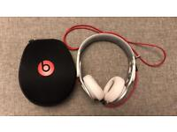 White Beats by Dre - Mixr