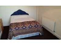 Large Modern Double Room, Excellent location, **Bills Included**