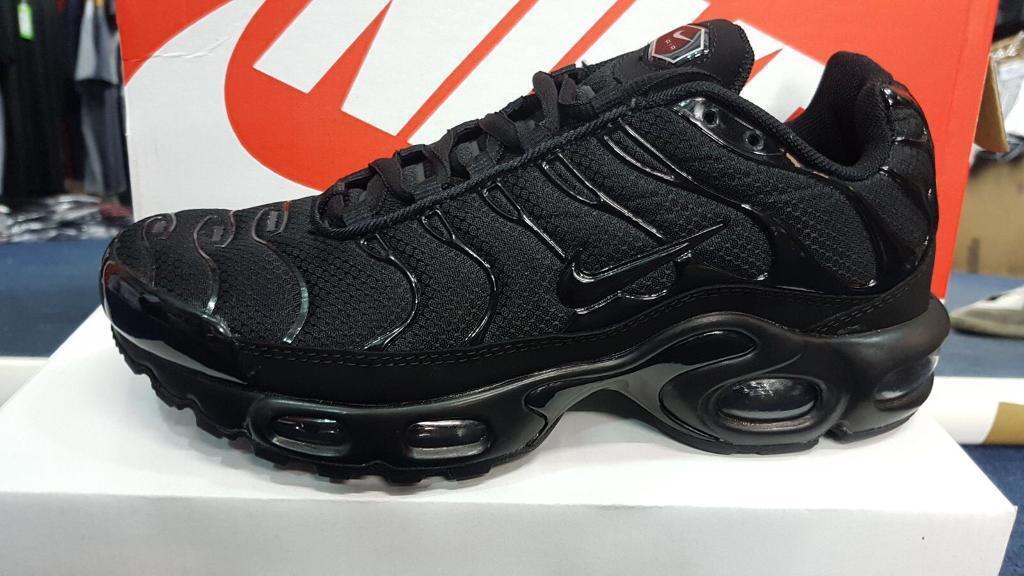 nike tns black size 9