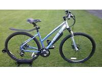 USED ONCE / SHOWROOM CONDITION LADIES CARRERA CROSSFIRE 2 DISC SPEC HYBRID BIKE * FULLY SERVICED *