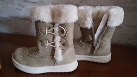 Bnwt girls winter boots size 7