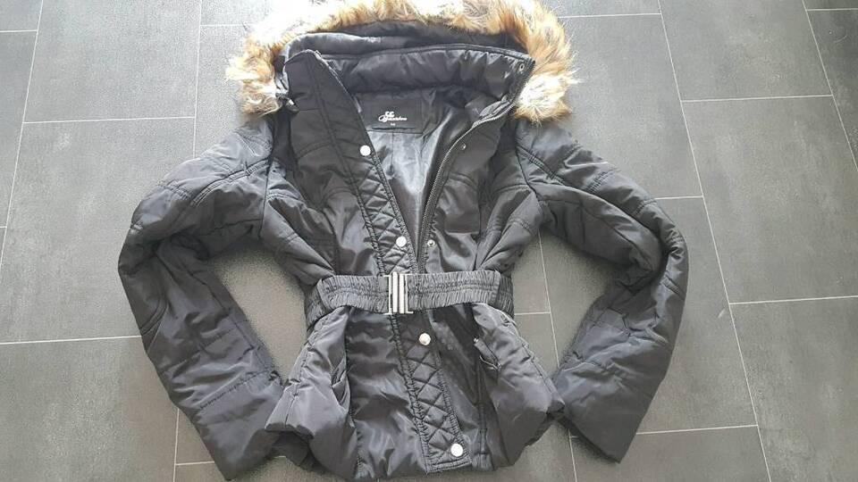 Winterjacke Übergangsjacke mit schöner grossen Fellkapuze SM