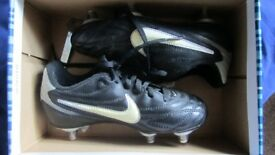 Childrens Nike Football Boots Size 12.5