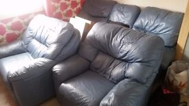 Blue 3 piece suite in good condition