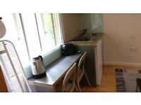 Studio apartment in trendy Queensway, W2